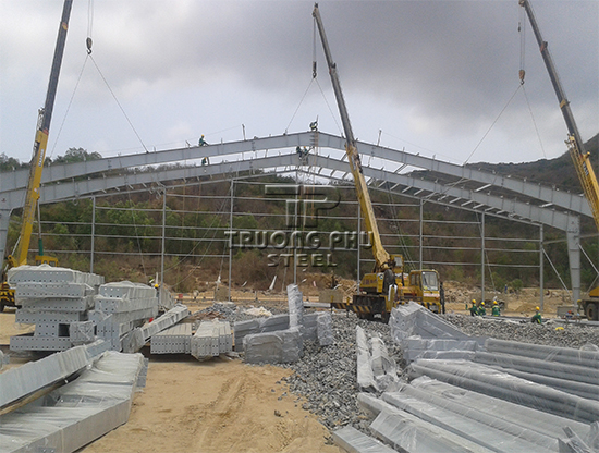 nha thep tien che, xay dung nha xuong, ket cau thep, pre engineered steel buildings, steel building, tps
